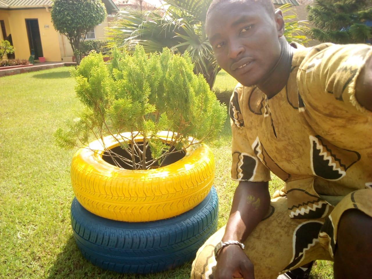Pot De Fleur Avec Des Pneus pots de fleurs gaa – conakry environnement-plateforme